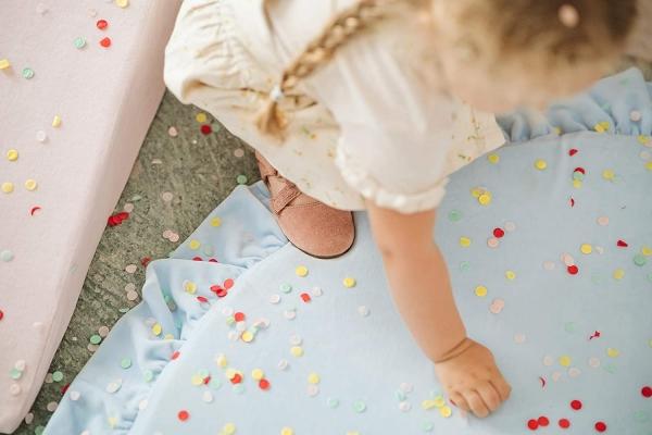 MeowBaby Baby Spielmatte rund mit Volant, babyblau